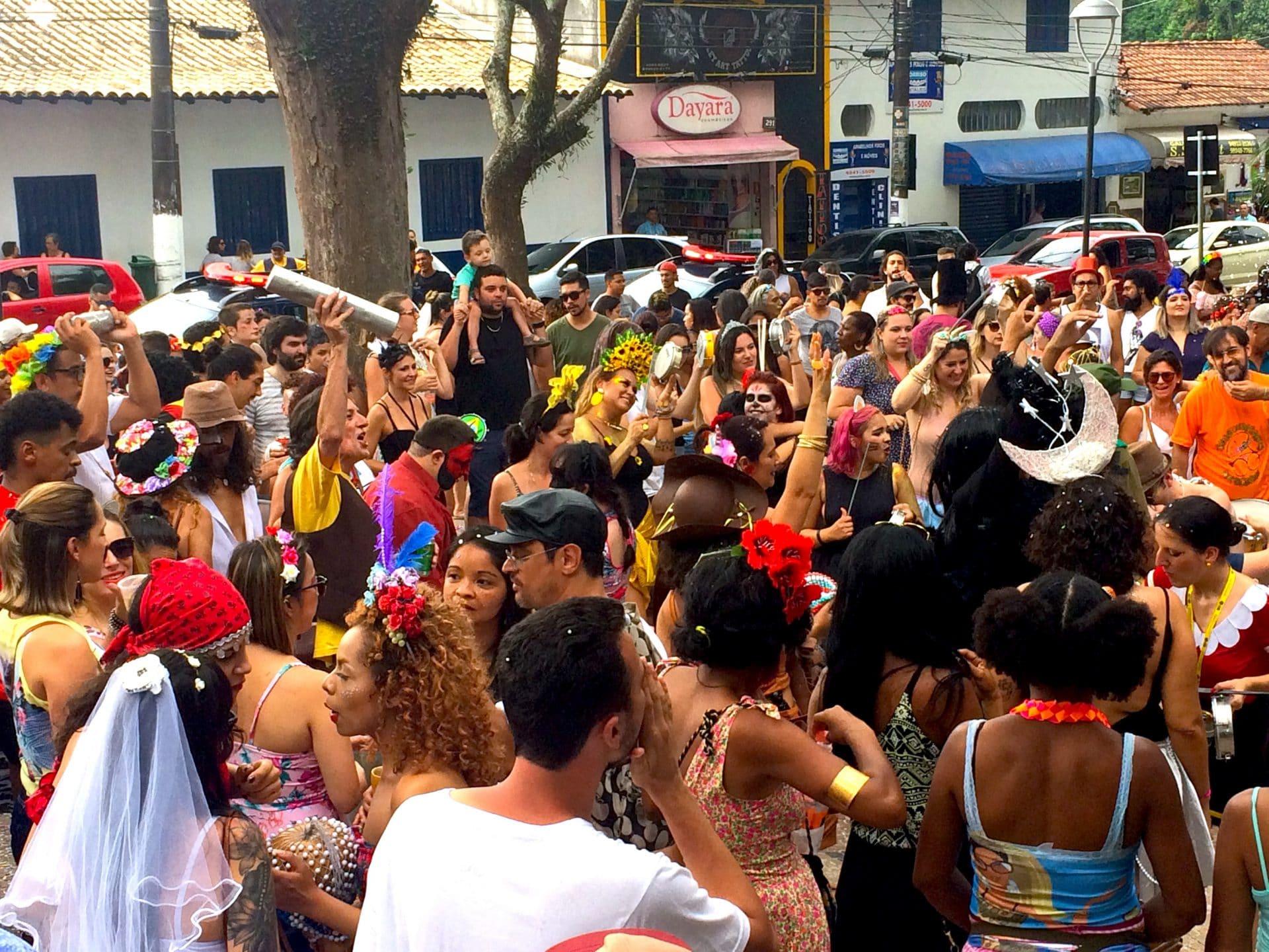 Bloco carnavalesco Desbundas Artes já se prepara para 2020 com ensaios abertos aos domingos