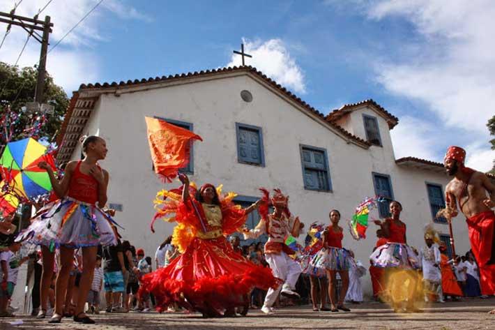 Carnaval das Artes! Veja como curtir a folia em Embu das Artes
