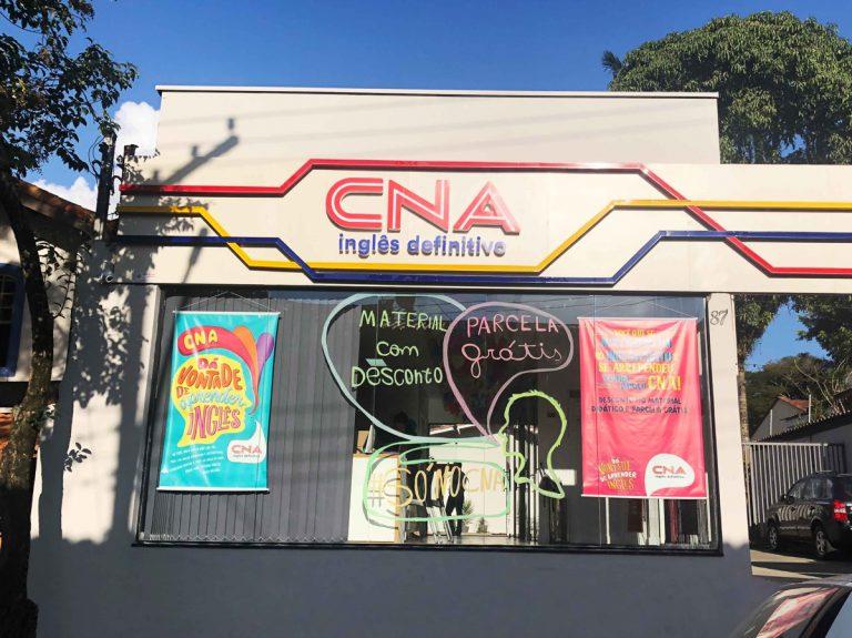 O CNA chegou! Veja como aprender inglês em Embu das Artes