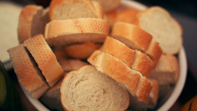A diferença do pão italiano e do pão francês