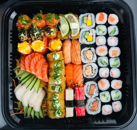 Hum! Comida japonesa tem entrega com desconto em Embu das Artes